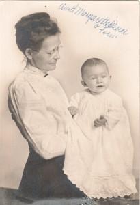 Margarette Pierce with granddaughter Fern, ca 1912