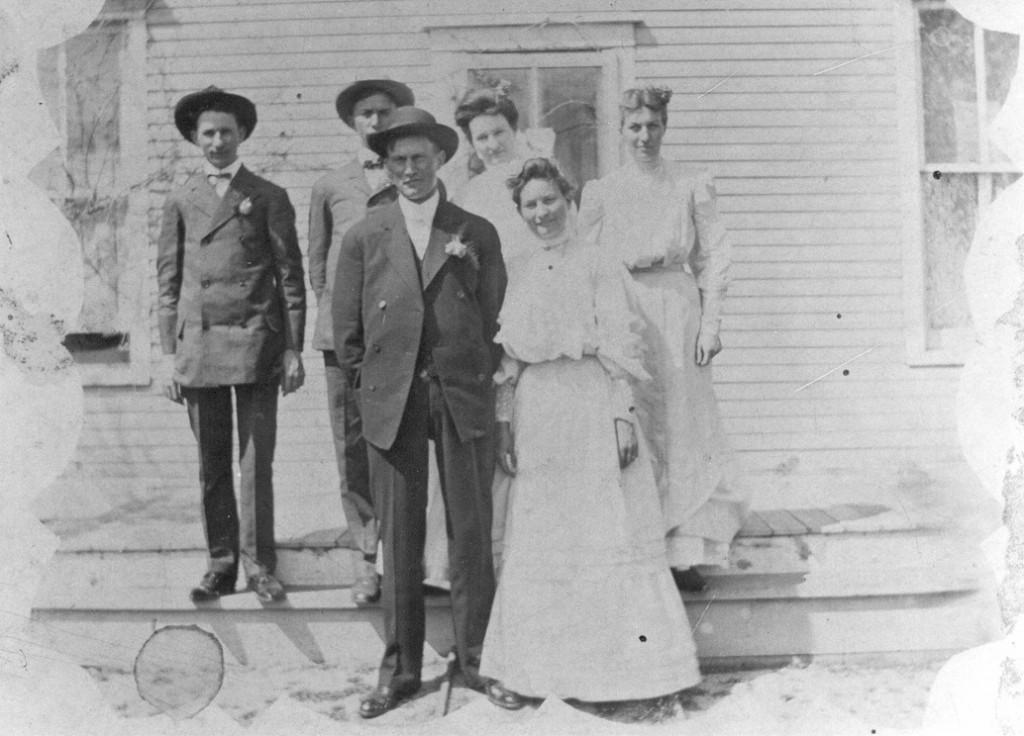 1906Joe and Annie Burkey wedding